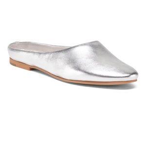 Dolce Vita metalic slip on leather mules